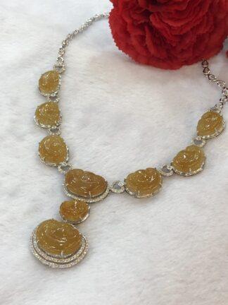 honey jade ruyi necklace