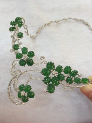 Imperial Green Jade Cabochons Necklace