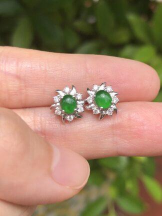 green jade cabochons earrings